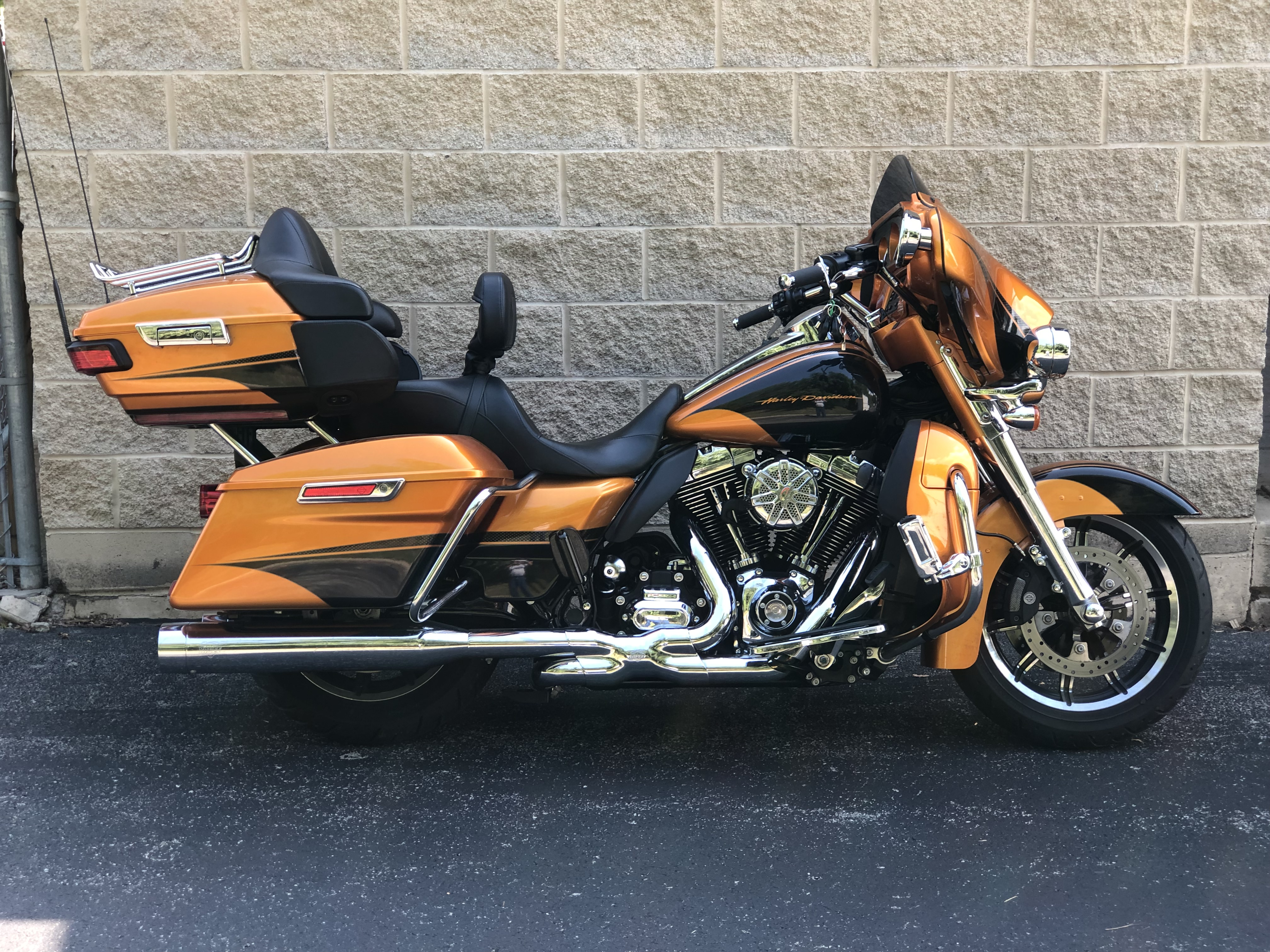 Pre-Owned 2015 Harley-Davidson Ultra Classic Low in