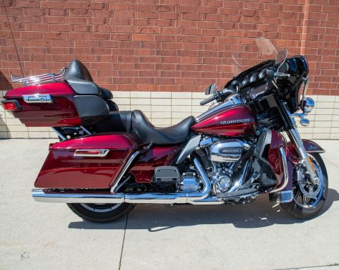 Pre-Owned 2017 Harley-Davidson Ultra Limited